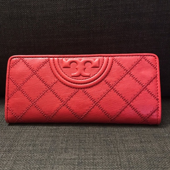 Tory Burch Handbags - NWOT Tory Burch Fleming Slim Leather Wallet